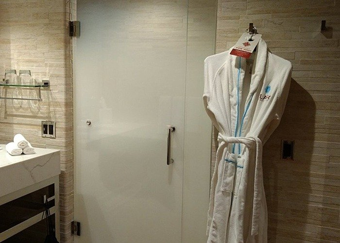Del Lago Resort and Casino Eched Glass Shower Door